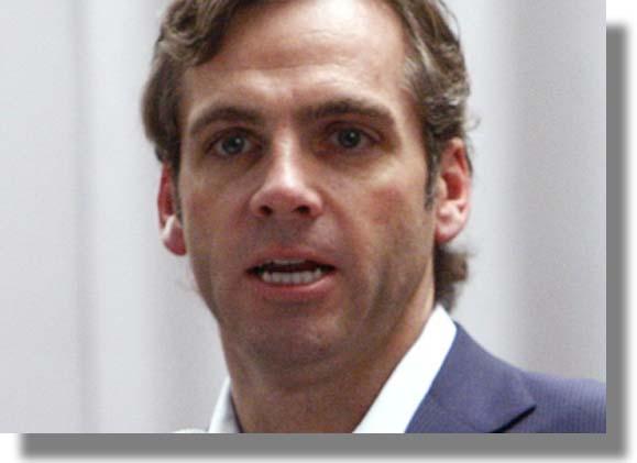 Renunció el Director General de la Red Myspace