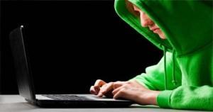 El Hacker que Destruye Páginas Web Racistas y Homófobas